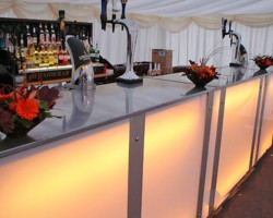 What To Look For When Selecting A Bar Hire For Your Event?