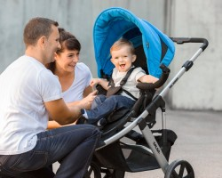 Expert Tips On How To Choose The Right Pram Or Pushchair