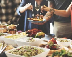 5 Paramount Benefits Of Hiring A Lunch Catering Agency