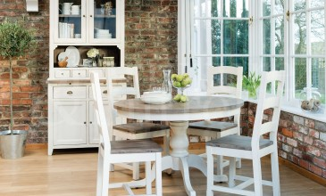 Why Many People Prefer Reclaimed Wood Furniture?